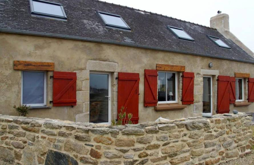 A vendre maison pieds dans l 39 eau baie d 39 audierne finist re sud pierres et mer - Maison de pecheur bretagne ...
