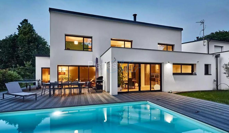 Vente maison d 39 architecte avec piscine vannes pierres et mer - Faire construire une maison d architecte ...
