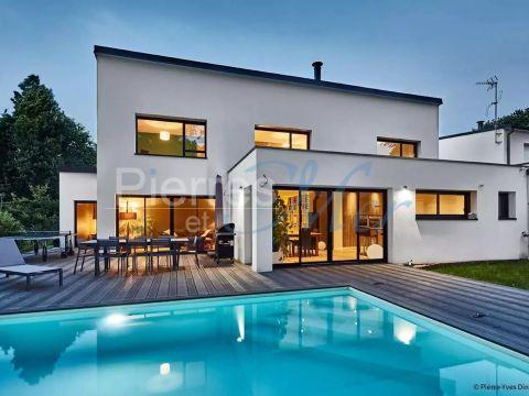 Vente Maison D Architecte Avec Piscine A Vannes Pierres Et Mer